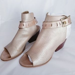 Nicole Talullah Heeled leather sandal ankle clasp